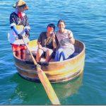 小木港でたらい舟を体験。観光船やモーターボートなどのメニューも【佐渡観光スポット】