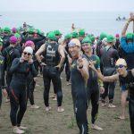 海で泳ぐときのウエットスーツ。はじめはレンタルで試し、よく着るなら既成品購入、こだわるならオーダーメイドがオススメ