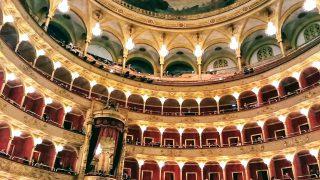 ローマ歌劇座でオペラ「椿姫」を観劇。東京で見るより激安&空間もサービスも格別です!